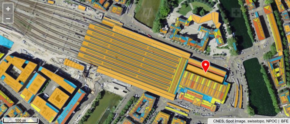 Satellitenfoto mit eingefärbten Dachflächen