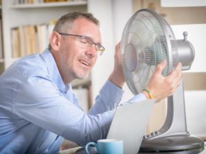 Büroarbeiter Ventilator