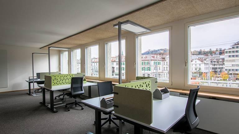 Büroraum nach Sanierung