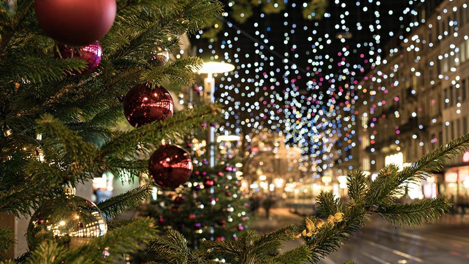 Tannenzweig Weihnachtsbeleuchtung Zuerich