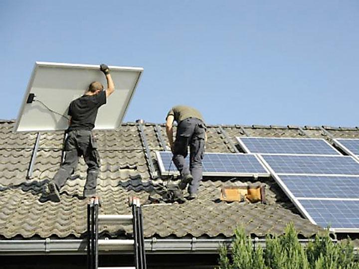Panel-Montage auf Dach
